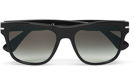 Mắt kính Prada với phần tròng kính nhỏ hơn ở bên dưới - Giá tham khảo 300USD. (Ảnh: MrPorter)