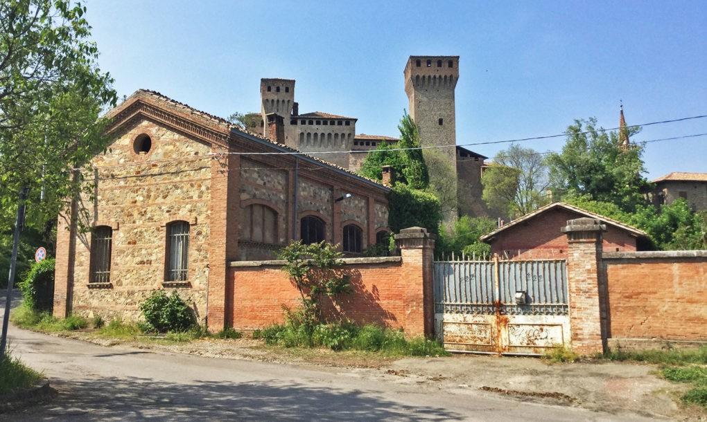 Italy-Free-Historic-Site-EMILIA-ROMAGNA_MODENA_-VIGNOLA-CICLOPISTA-SOLE_Ex-Macello-Vignola-1020x610