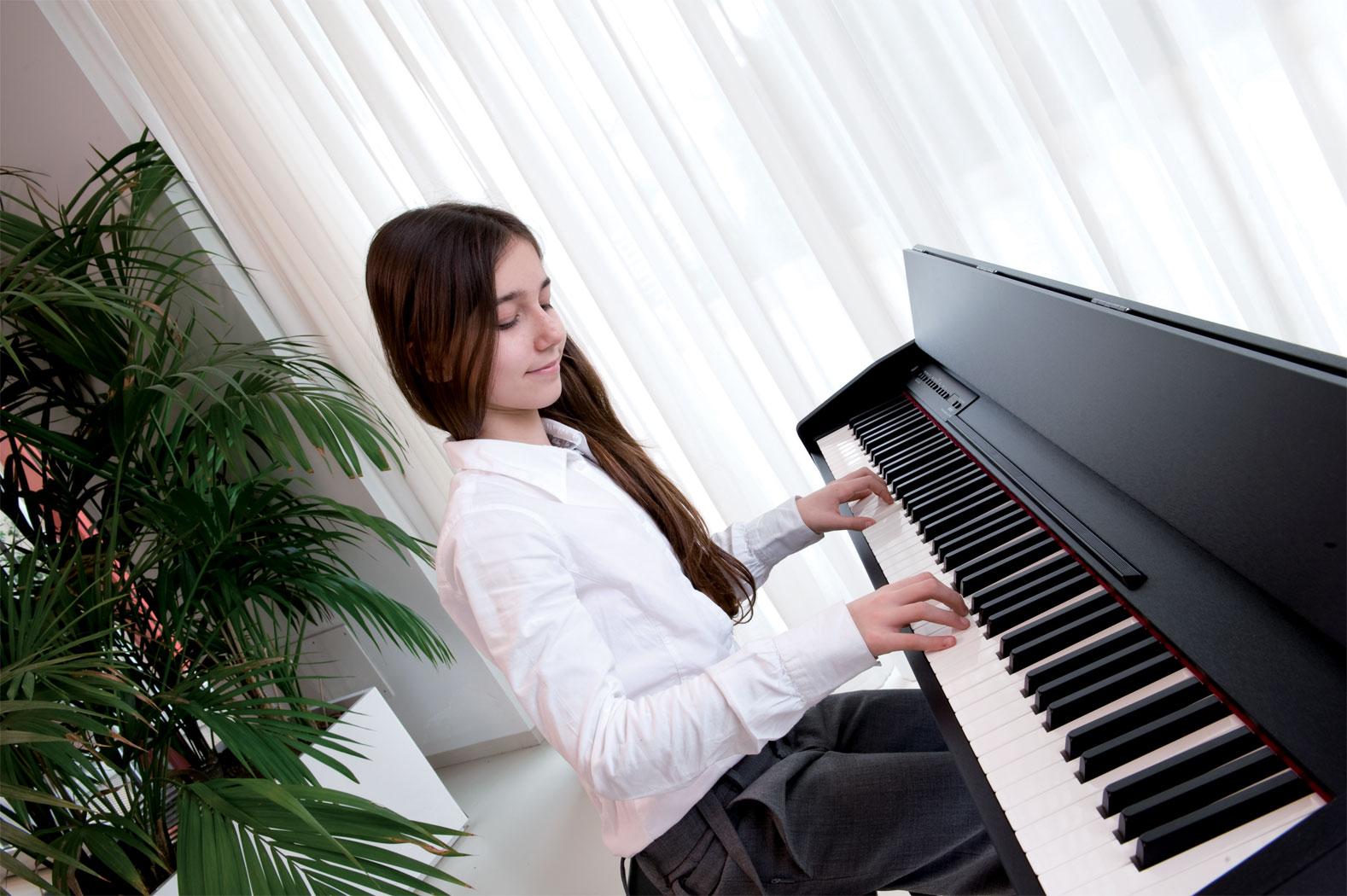 ban-dan-piano-gia-re-tai-tphcm.1
