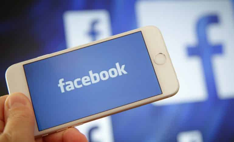 Kết quả hình ảnh cho creating business success with facebook: the easy way!