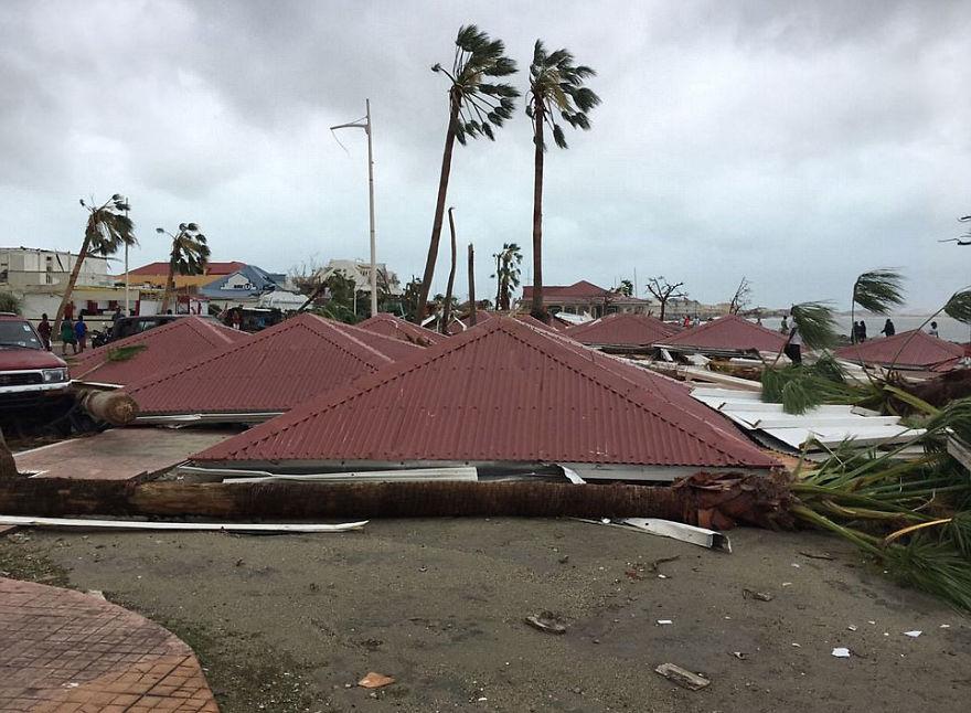 sức mạnh kinh hoàng của siêu bão Irma