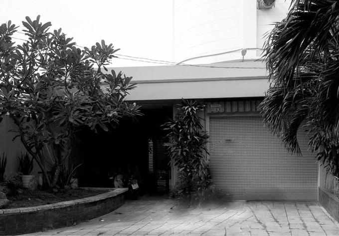 Biến gara cũ thành biệt thự 2 tầng sang trọng ở Sài Gòn