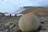 Những quả cầu đá khổng lồ bí ẩn trên hòn đảo nhỏ ở Nga