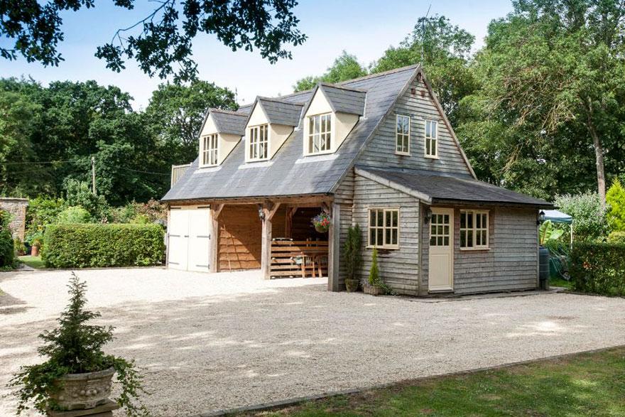 uk-smallest-castle-for-sale-mollys-lodge-6