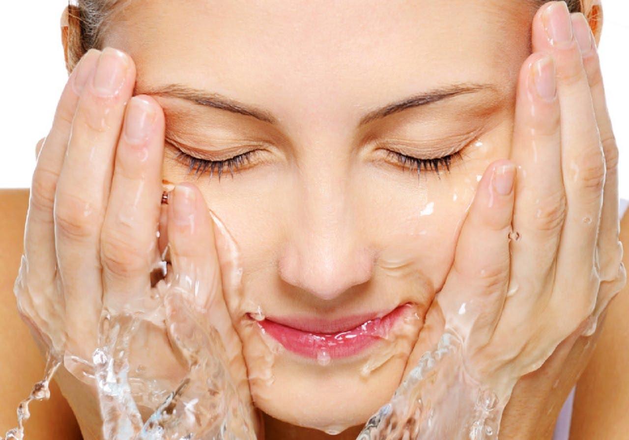 làm sạch da mặt, rửa mặt