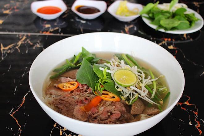 phở, phở bò, 3 món ăn ấm lòng khi thời tiết trở lạnh ở Sài Gòn