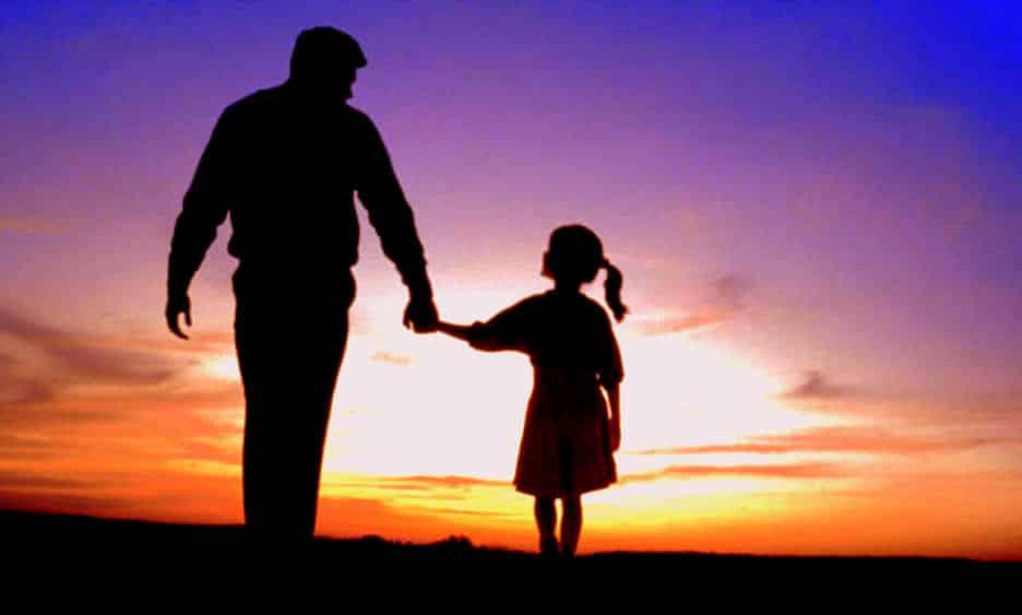 """Xúc động: """"Thì ra đứa con mà cha yêu thương nhất chính là tôi!"""