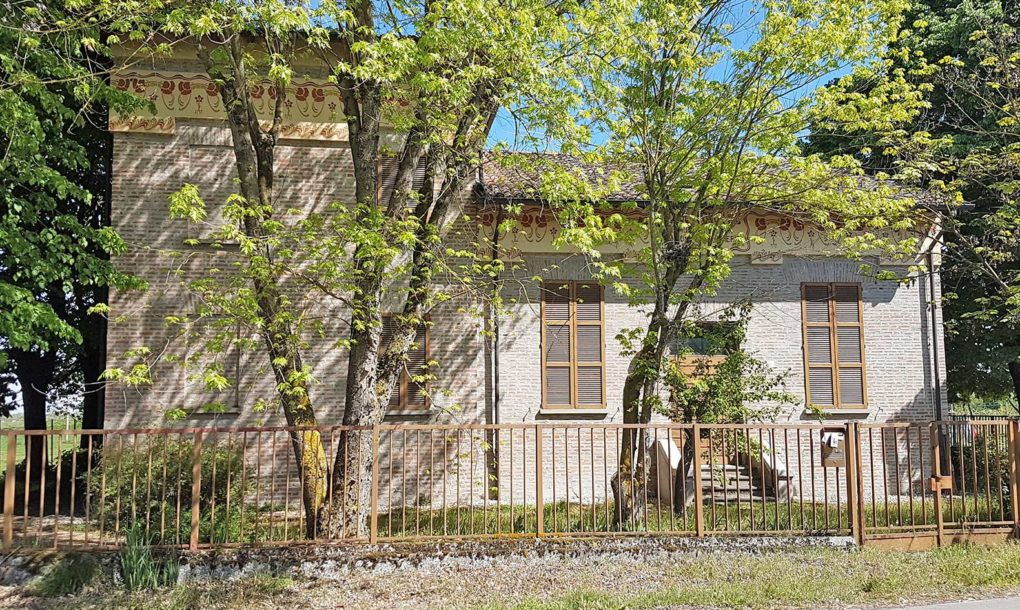 Italy-Free-Historic-Site-EMILIA-ROMAGNA-FIDENZA-PARMA-EX-SCUOLA-SANTA-MARGHERITA-VIA-FRANCIGENA--1020x610