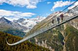 Thụy Sĩ: Khai trương cầu treo đi bộ dài nhất thế giới trên dãy núi Alps