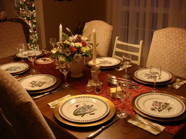 Image result for table arrangements for dinner