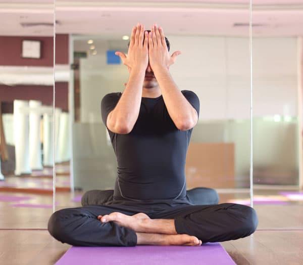 bai tap yoga cho mat