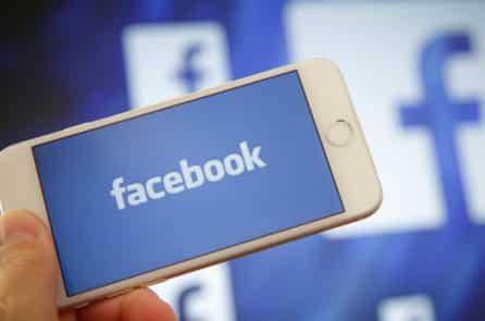 Vì sao chúng ta nên ngừng chúc mừng sinh nhật trên Facebook?