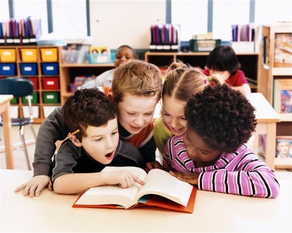 Kết quả hình ảnh cho trẻ học ngoại ngữ