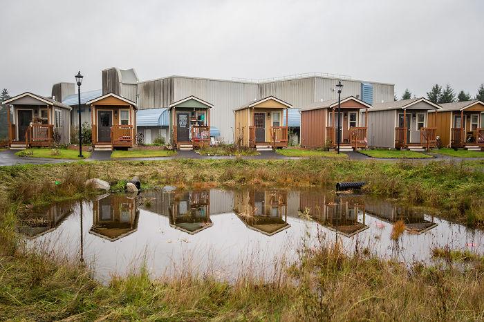 homeless veterans free houses community kansas 58bfdb347ae2c  700 Mỹ: Ngôi làng dành cho các cựu chiến binh vô gia cư rất ấm áp tình người