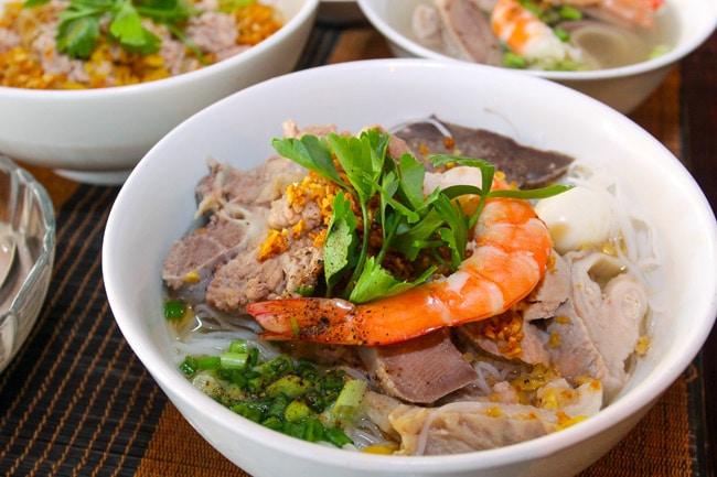 hủ tiếu Nam Vang, 3 món ăn ấm lòng khi thời tiết trở lạnh ở Sài Gòn