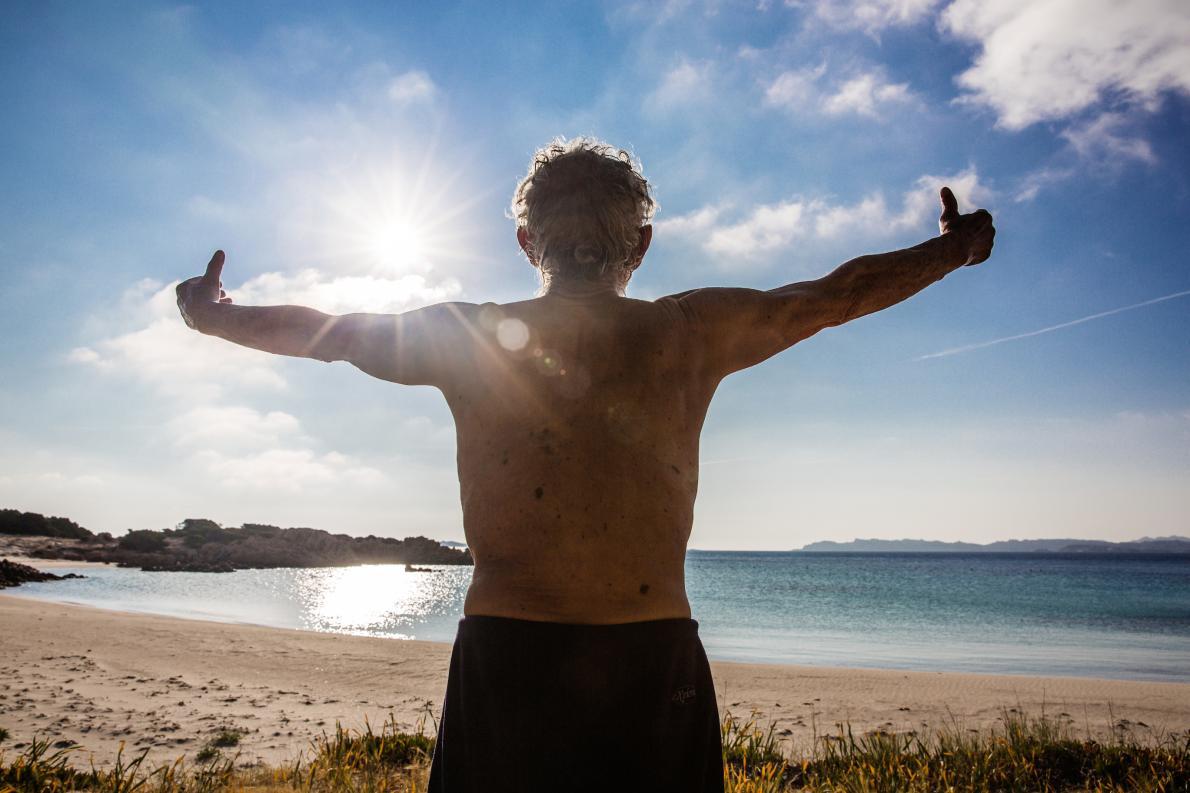 cụ ông 78 tuổi một mình sống trên đảo