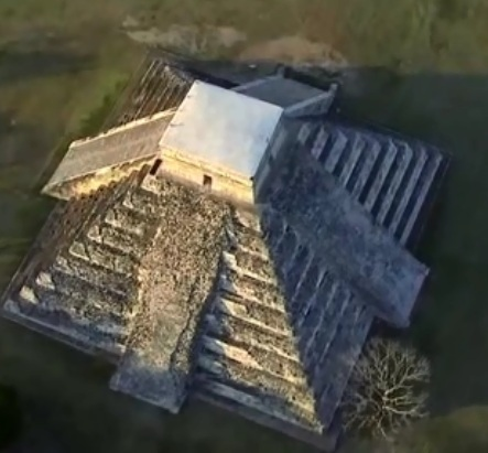 Kim tự tháp của người Maya