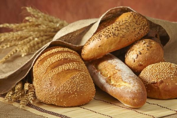 Thực phẩm mốc gây bệnh ung thư gan. (Ảnh: thuocdieutrigan.com)