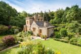 Bên trong lâu đài nhỏ nhất nước Anh đang được rao bán giá 550.000 bảng