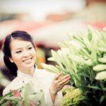 Một người phụ nữ tốt bụng và tử tế sẽ mang lại hạnh phúc và may mắn cho gia đình. (Ảnh qua tienducchauson.net)