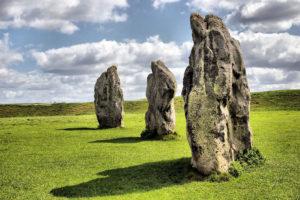 Những tảng đá còn sót lại của vòng tròn đá Avebury (Ảnh: Flickr CC)