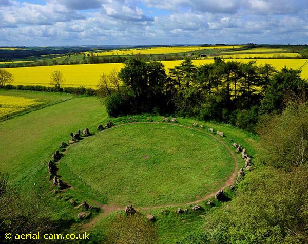 Vòng tròn đá Rollright ở Anh. (Ảnh: Aerial-Cam)
