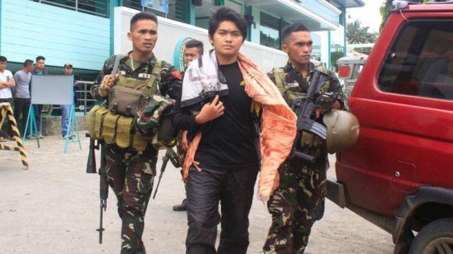 Quân đội Philippines bắt giữ 8 thành viên nhóm khủng bố hồi tuần trước