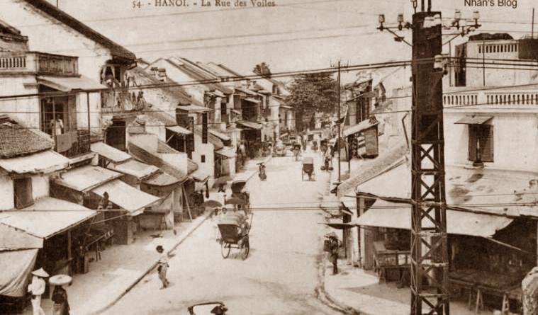 Phố Hàng Buồm, Hà Nội Xưa (Ảnh: antuonghanoi.vn)