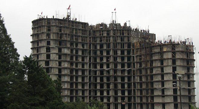 Một tòa nhà đang xây dựng dở ở Bắc Hàn (Ảnh: NKnews)