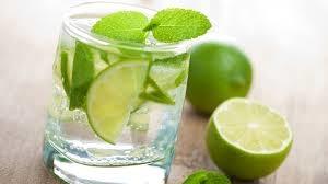 Nước chanh là trợ thủ đắc lực giải rượu cho cơ thể (Ảnh: Internet)