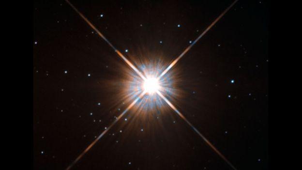 Ngôi sao Proxima Centauri dưới kính viễn vọng Hubble (ảnh: NASA/ESA)