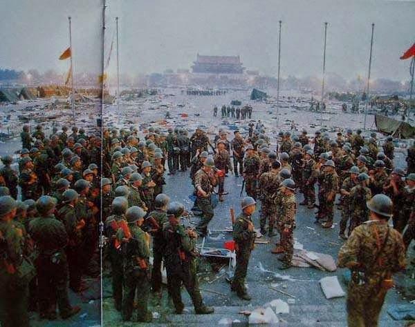 Cuộc thảm sát học sinh sinh viên tại Quảng trường Thiên An Môn năm 1989.