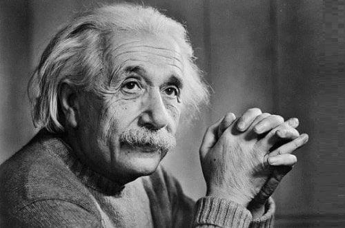 Khối óc đặc biệt của Einstein ẩn giấu bí mật gì?