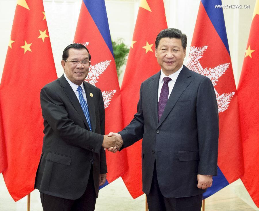 Thủ tướng Campuchia Hun Sen trong một cuộc gặp Chủ tịch nước Trung Quốc Tập Cận Bình tại Bắc Kinh. (Ảnh: new.cn)