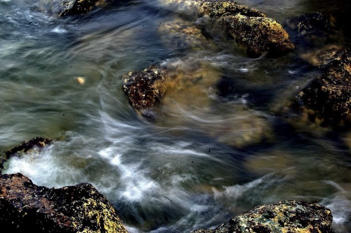 Yếu mềm mà vẫn bất bại: Tư tưởng của Lão Tử về nước