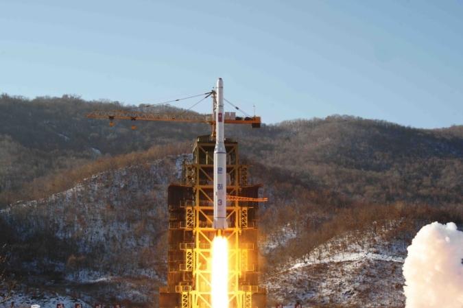 1 vụ phóng tên lửa năm 2012 của Triều Tiên (ảnh: KCNA)
