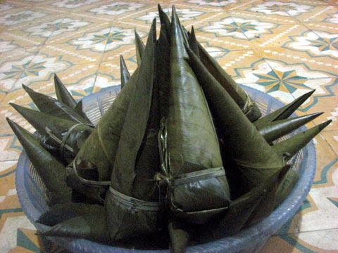 Bánh coóc mò- đặc sản của người Tày ở Võ Nhai – Thái Nguyên. (Ảnh: Vietnamnet)