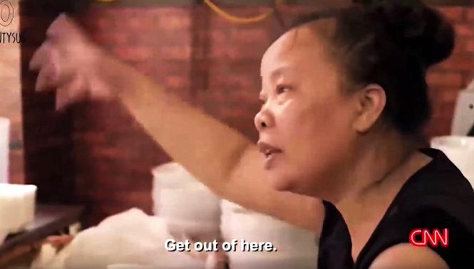 Quán 'bún chửi' ở Hà Nội (ảnh: Video CNN)