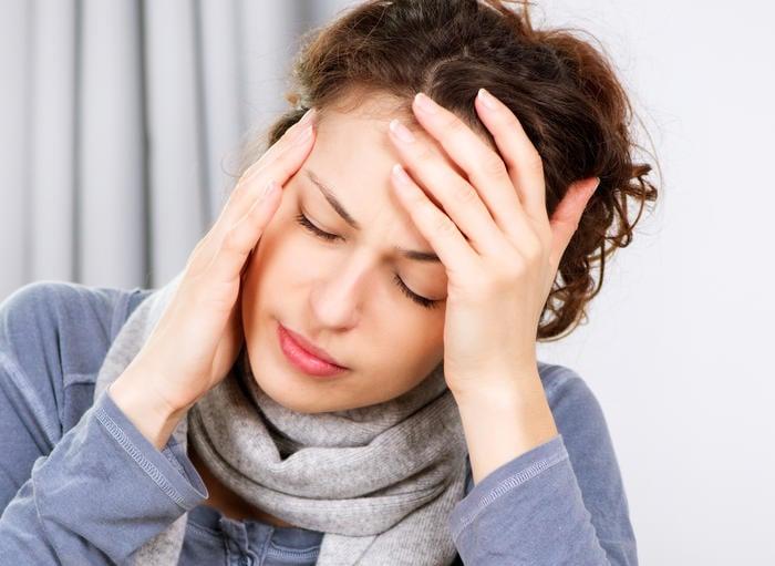 Hãy cảnh giác với những cơn đau đầu bất thường (Ảnh: Shutterstock)