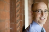 Tiến sĩ Jim Tucker (Ảnh: Dan Addison/Đại học Virginia)