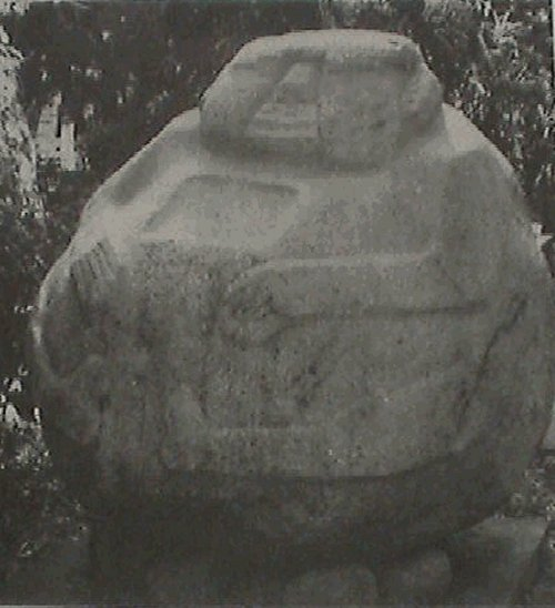 Một bức tượng Cậu bé Bự ở Guatemala.