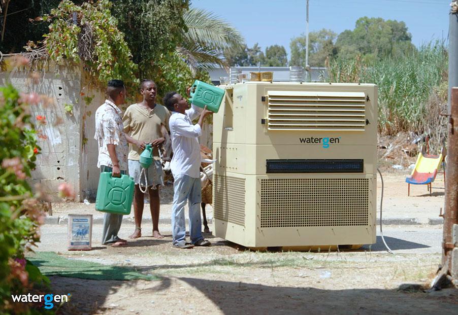 Chiếc máy tạo nước uống từ không khí (ảnh: Water-Gen)