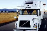 Xe tải tự lái Uber thực hiện chuyến giao hàng đầu tiên: 50.000 lon bia
