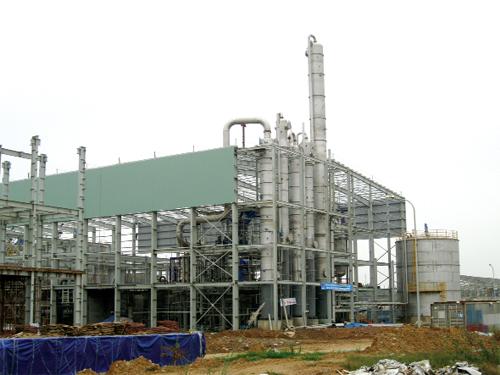 Một góc của Nhà máy Nhà máy Ethanol Phú Thọ. Nhà máy có tổng diện tích xây dựng dự án 50 ha, tổng đầu tư 2.200 tỷ, nhưng 4 năm nay không đi vào hoạt động. (Ảnh: poshaco.com)