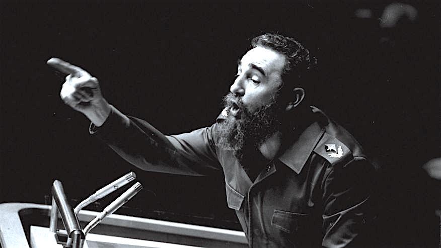 (Ảnh lưu trữ AP. Ngày 12/10/1976, Chủ tịch Cuba Fidel Castro chỉ tay trong bài phát biểu dài của mình trước Hội đồng Bảo An Liên Hiệp Quốc)