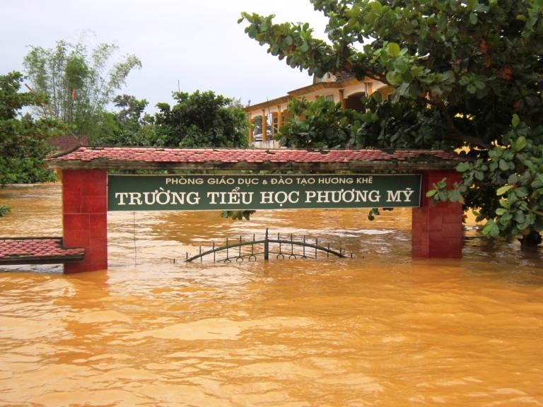 lu-o-huong-khe-ha-tinh-thang-10-2016