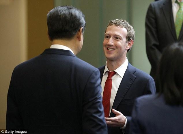 Mark Zuckerberg gặp Chủ tịch Trung Quốc Tập Cận Bình tại trụ sở của Microsoft thàn phố Redmond hôm 23/9/2015 (Ảnh: Getty)