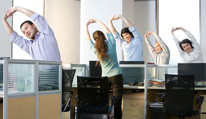 tập thể dục tại sở làm