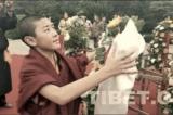 Nhà sư Tây Tạng bị yêu cầu lạy tượng Mao Trạch Đông