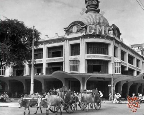 Sau năm 1934, biển hiệu GMC được gắn thêm ở khu vực tháp vòm đồng hồ. (Ảnh tư liệu)